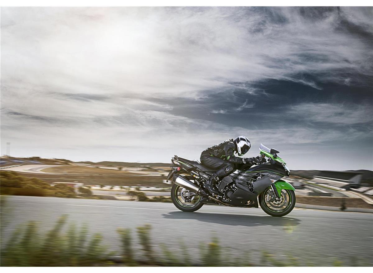 2019 ZZR1400 Performance Sport - Image 4