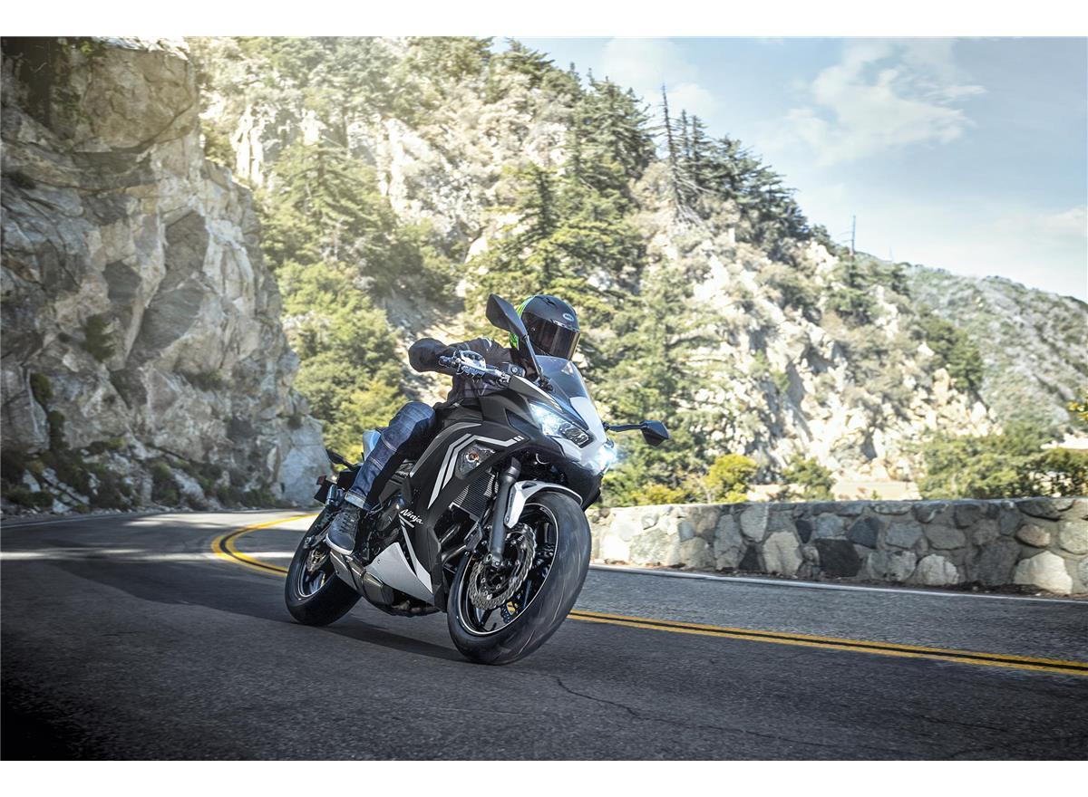 2020 Ninja 650 - Image 17