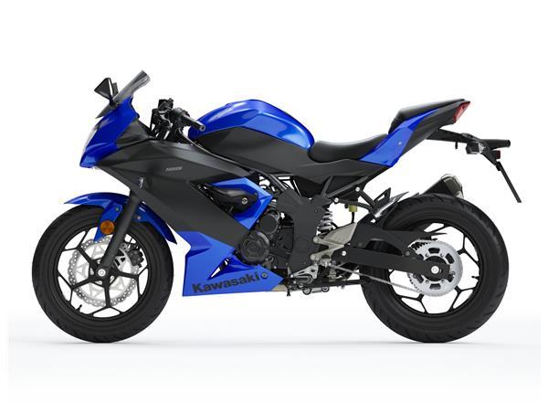 2019 Ninja 125 Blue - Image 1