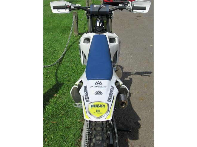 2019 Husqvarna TC125 - 2-stroke MX bike *BRAND NEW!* - Image 9