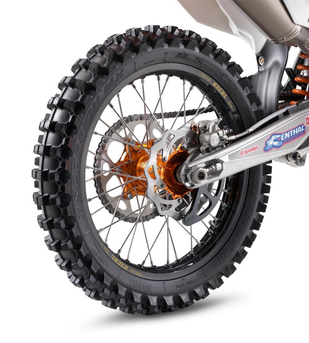 Factory rear wheel 2.15x19