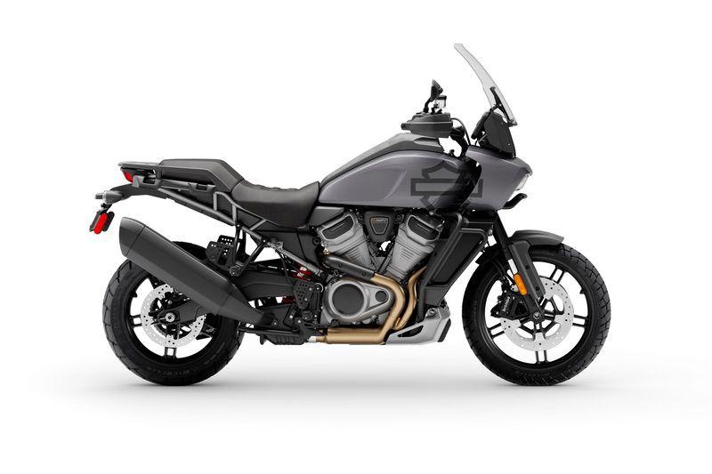 Gauntlet Gray Metallic + Adaptive Ride Height