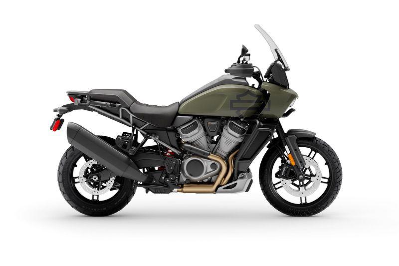 Deadwood Green + Laced Wheels + Adaptive Ride Height