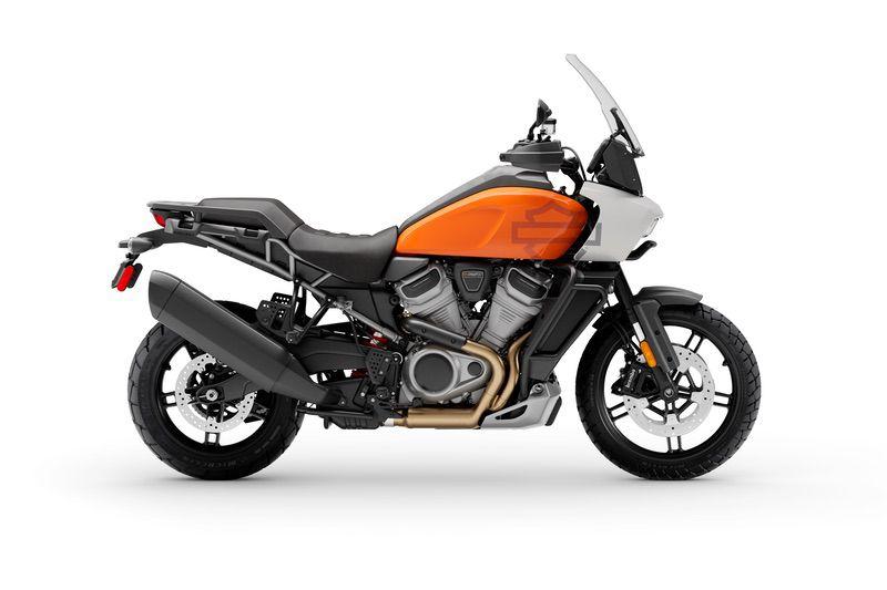 Baja Orange/Stone Washed White Pearl + Laced Wheels + Adaptive Ride Height