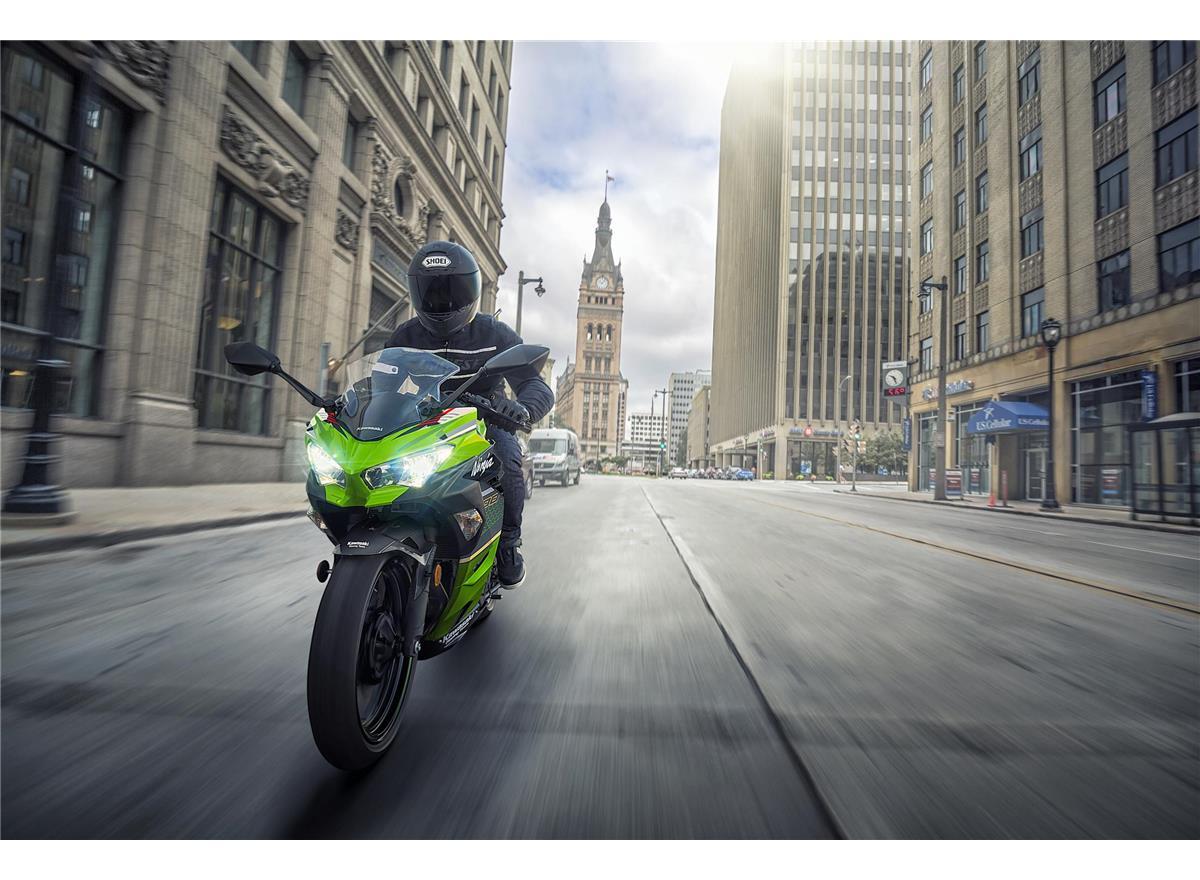 2020 Ninja 400 - Image 6