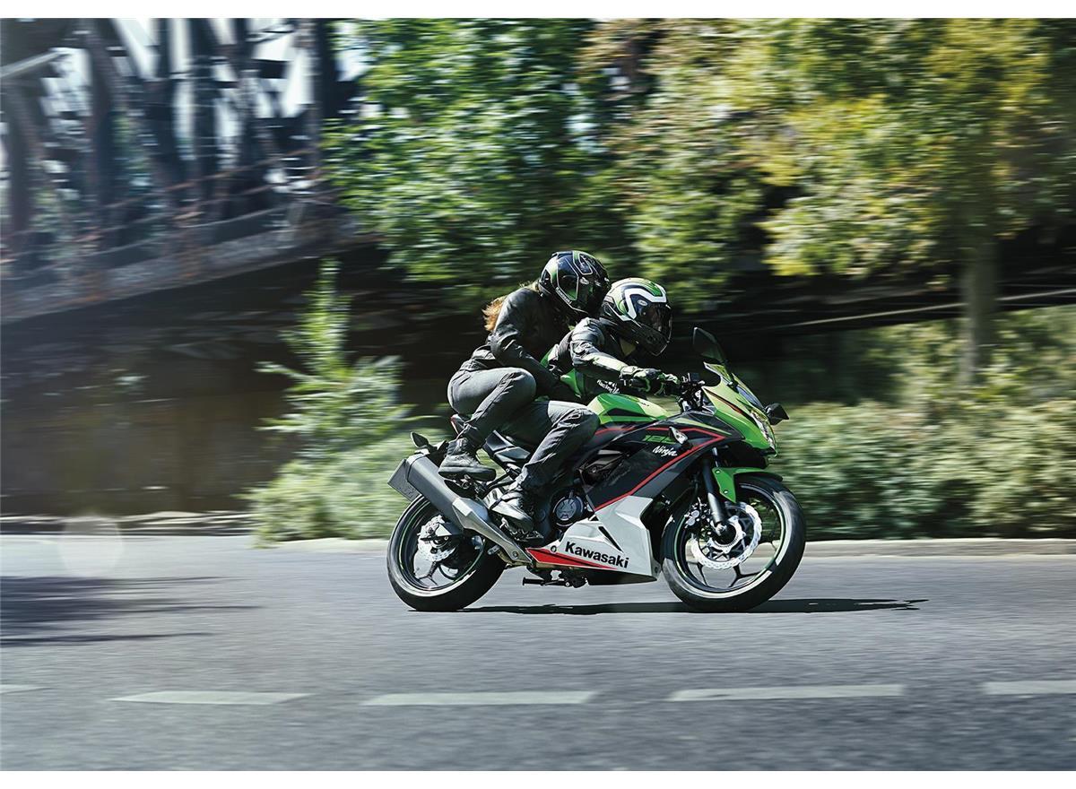 2021 Ninja 125 Performance - Image 2