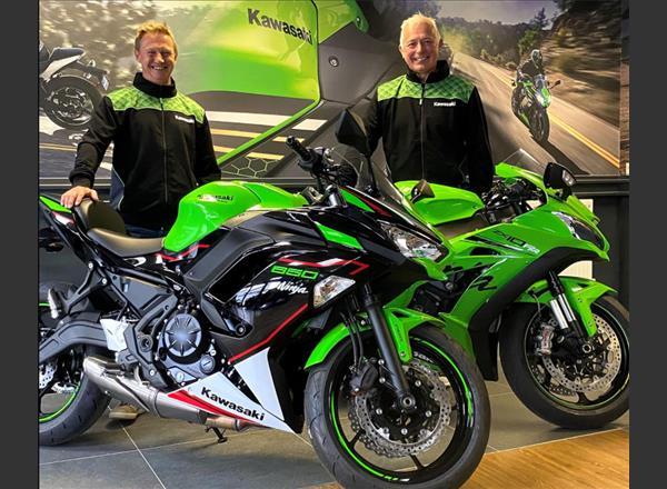 California Superbike School go green with Kawasaki!