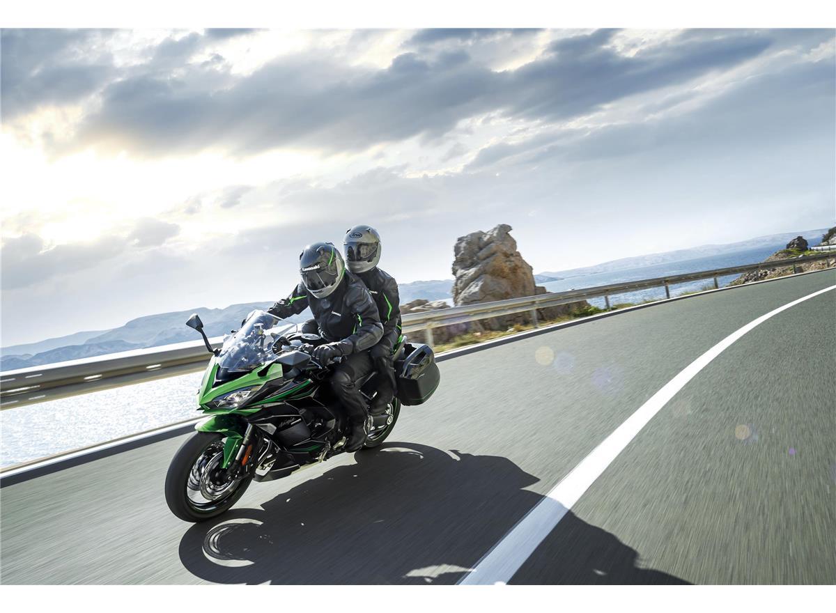 2022 Ninja 1000SX  Performance Tourer - Image 4